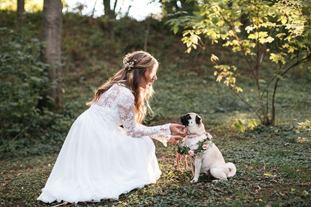 A bride and her flower girl, pug style.