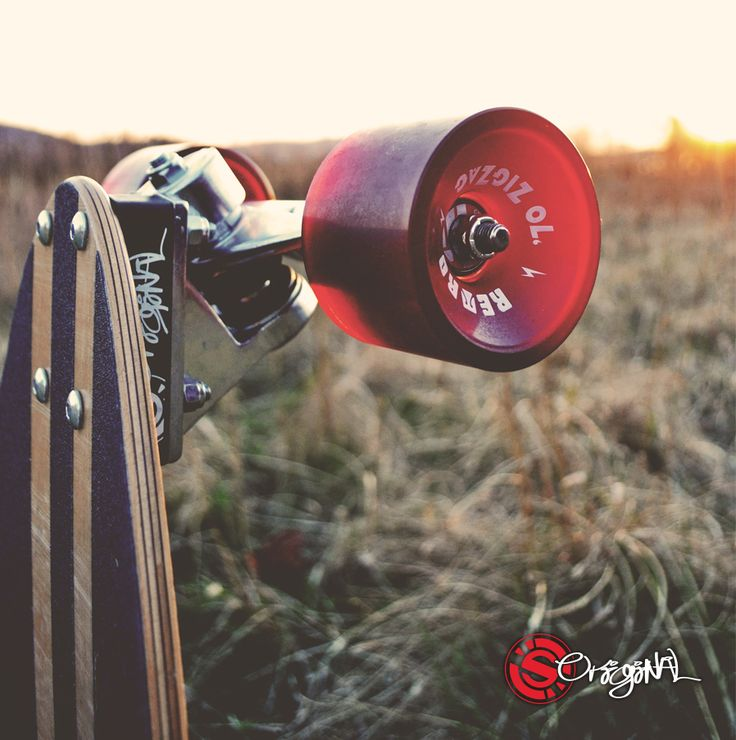 Longboard II Customize your Derringer with different components + colors. We're celebrating all the colors of the summer season with the many colors of the Original Skateboards Derringer. #setupoftheday.  Photo: Jenna O'Connor  See the board: http://originalskateboards.com/longboards/derringer-28-longboard