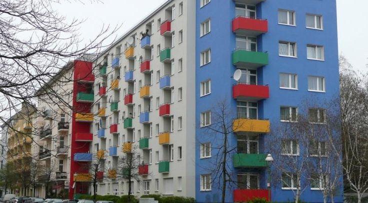 Na rekonštrukciu balkónov sa musia zložiť aj bezbalkónové byty | Gazduj.sk