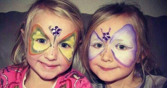 Mijn dochtertje Jane links met haar beste vriendinnetje Selma rechts. De oma van Selma kan zo mooi schminken.
