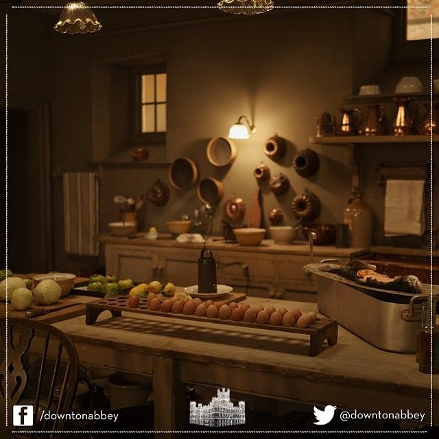 How quiet the kitchen looks! Usually we see it teeming with people. We can therefore catch a rare glimpse of the detailed set and how magnificent it is. Splendid! #Downton #Behindthescenes #DowntonAbbey #Set #Props #Lights
