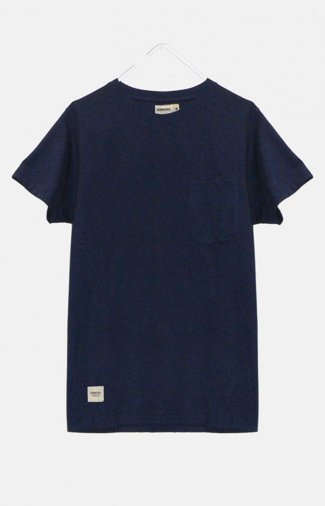 BLAKE from WeMoto is a classic T-shirt featuring a crew neck and a chest pocket.