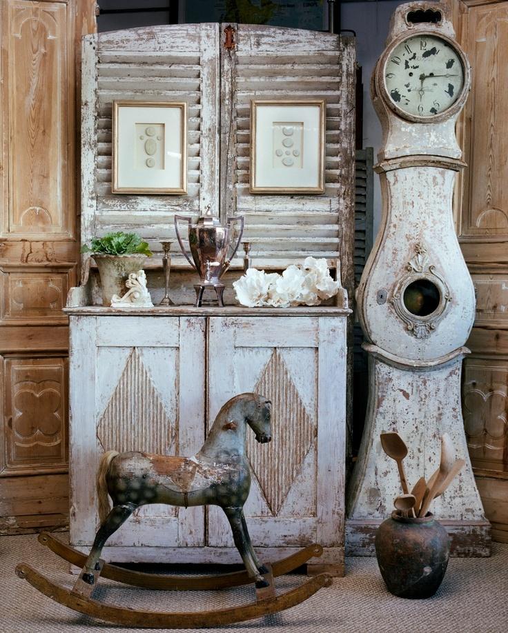 Swedish clock and buffet..*drool*