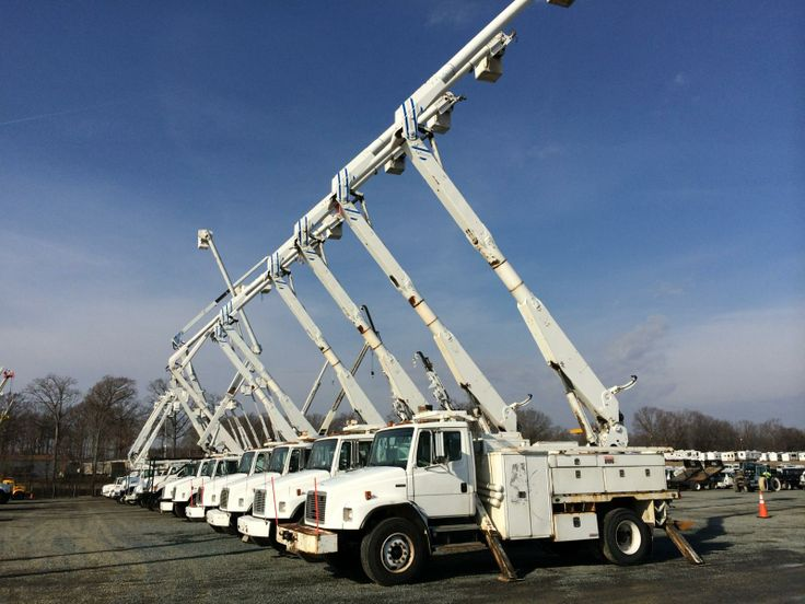 Altec AA755 Bucket Trucks for Sale at Public Auction