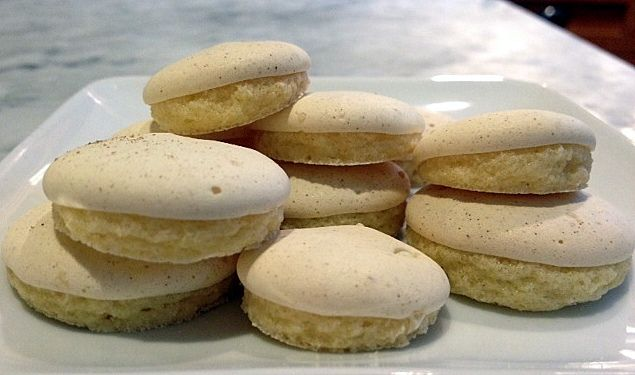 A Cake Bakes in Brooklyn: Elaine's Anise Cookies. The little caps create themselves during baking.