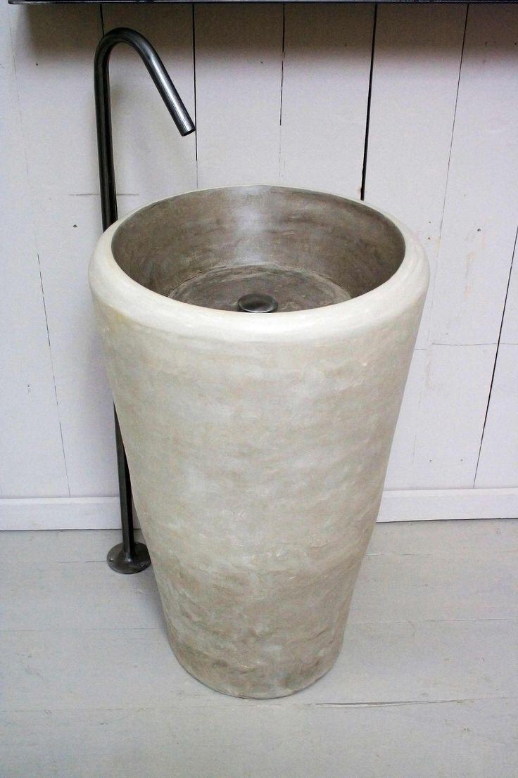 Washbasin Freesetanding by Alessandro Lasferza Factory, design Vincenzo Catoio
