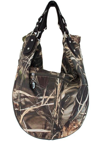 i totally want this purse!!! Realtree MAX4 camo hobo bag back