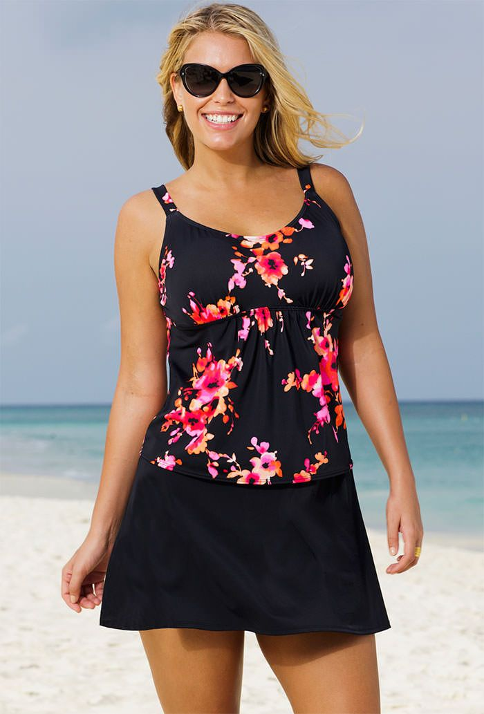 plus size swimwear Finding the perfect-fitting plus size bathing suit to flatter your figure does not have to be difficult. While every woman's body is unique, plus size swimwear is not one-size-fits-all and different women have different body shapes.