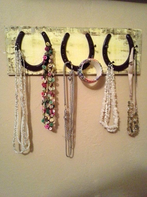horseshoe necklace holder...horseshoe accessory rack...horseshoe jewelry hanger...horseshoe decor