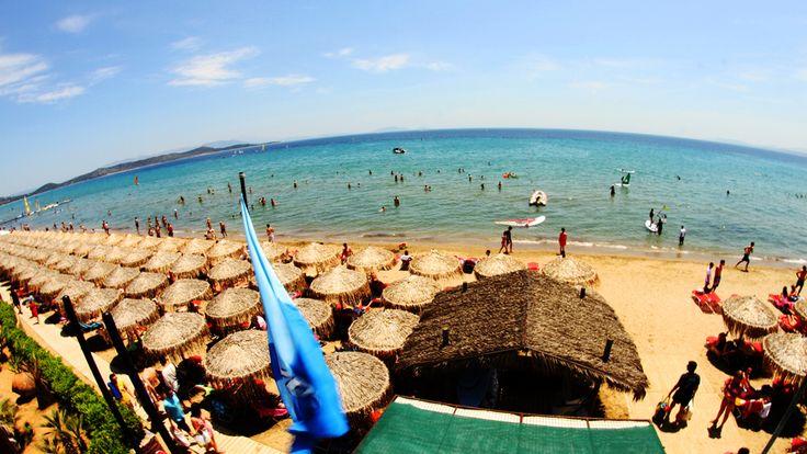 Μπορεί τα καλοκαίρια να αναζητούμε καταγάλανες θάλασσες και αμμώδεις ακτές για τα μπάνια μας όμως οι φυσικές πισίνες...
