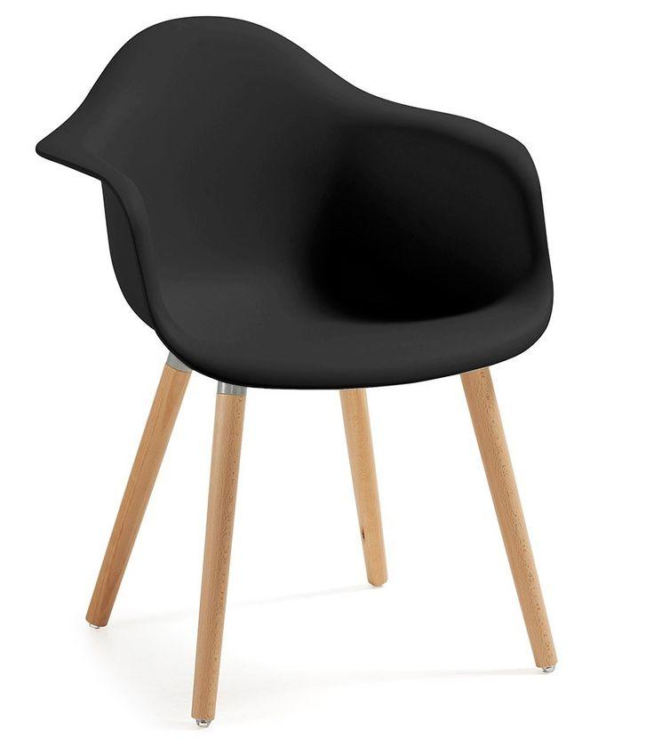 La scorrevolezza delle sue curve converte questa sedia in toni calmi con un alone di tranquillità e armonia per la tua casa.