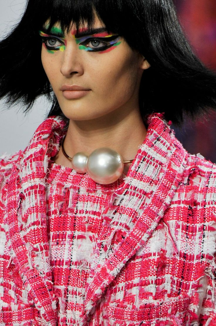 Chanel's exaggerated colour-blocked eye