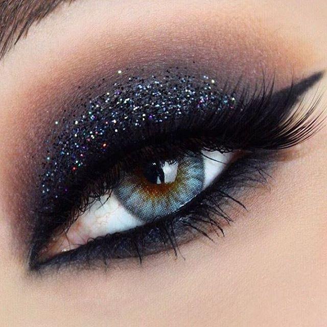 Dale un diferente toque a los #ojos con #glitter #makeup #maquillaje