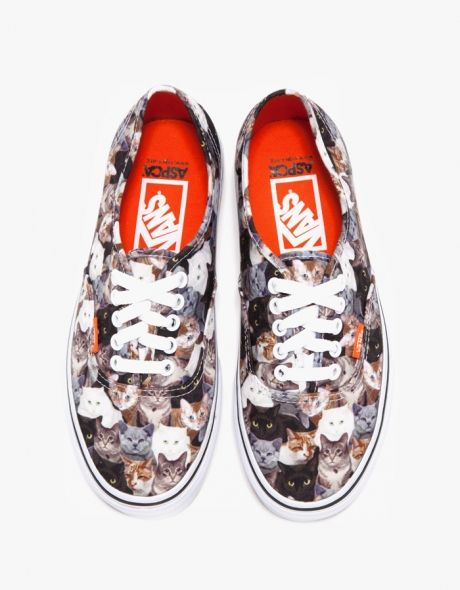 Authentic in Cats #Vans - So bummed, my size is out of stock =(