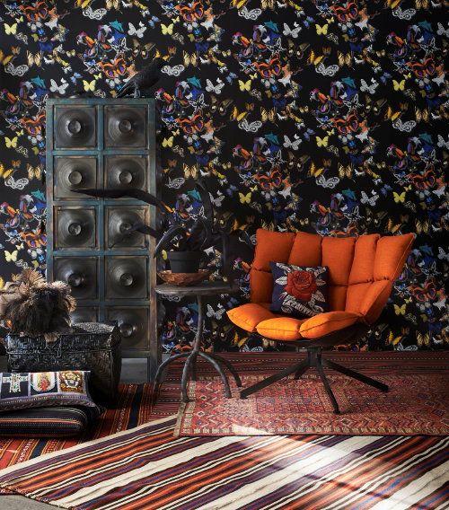 Winter Woontrend Night & Day! Trendy Donker Interieur – Piet Hein Eek Kast, Husk Fauteuil van Patricia Urquiola & Maarten Baas Tafel Plain C...