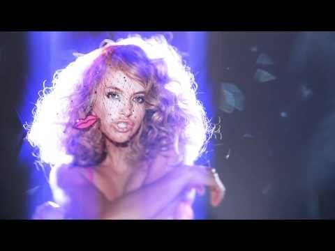 Paulina Rubio - Me Gustas Tanto  http://www.youtube.com/watch?v=8petkoTNT7A
