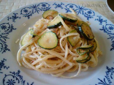 Recept, podle kterého se vám Špagety s cuketou zaručeně povede, najdete na Labužník.cz. Podívejte se na fotografie a hodnocení ostatních kuchařů.