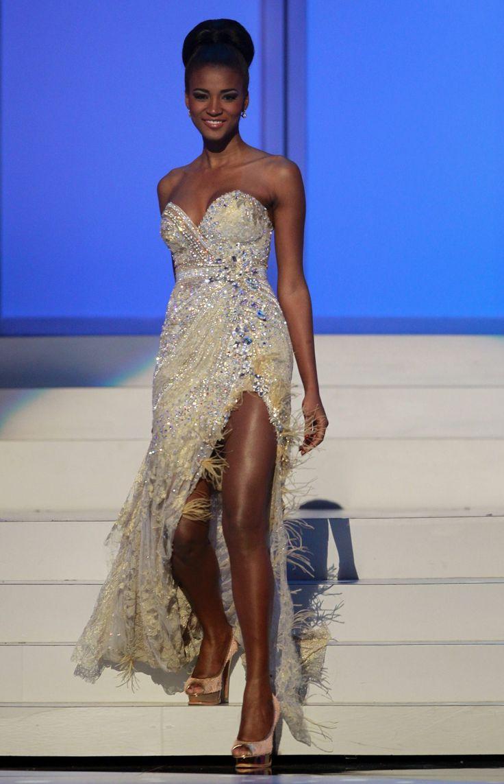 High bun highlights Leila's beautiful face. Miss Universe 2011
