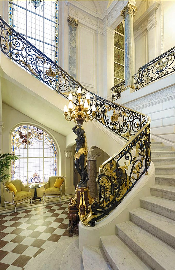 Grand Foyer Chaillot : Grand staircase live the good life all about luxury