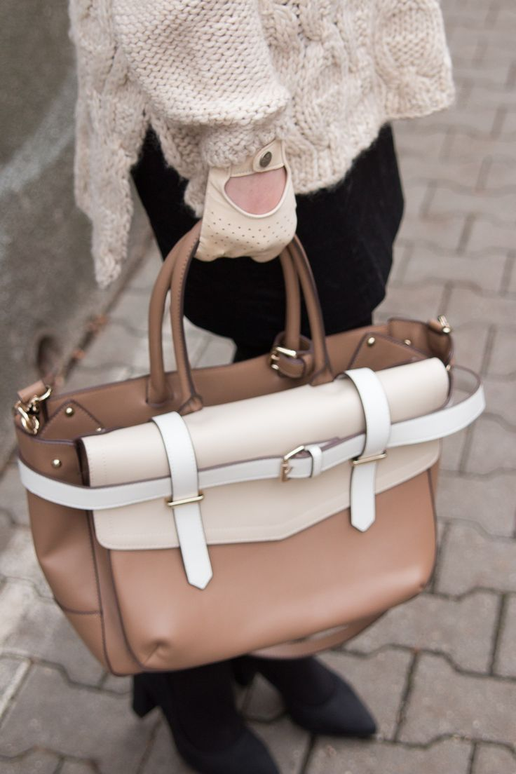 BAG, HANDBAG, LEATHER, NUDE, BEIGE, CREAMY, DRIVER GLOVES