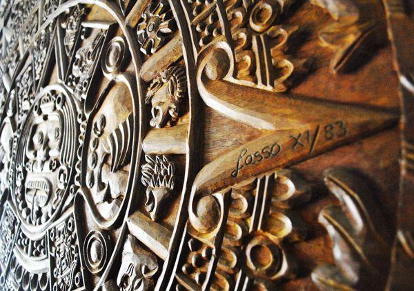 Talla de madera Calendario Azteca, La Dorada - Caldas.