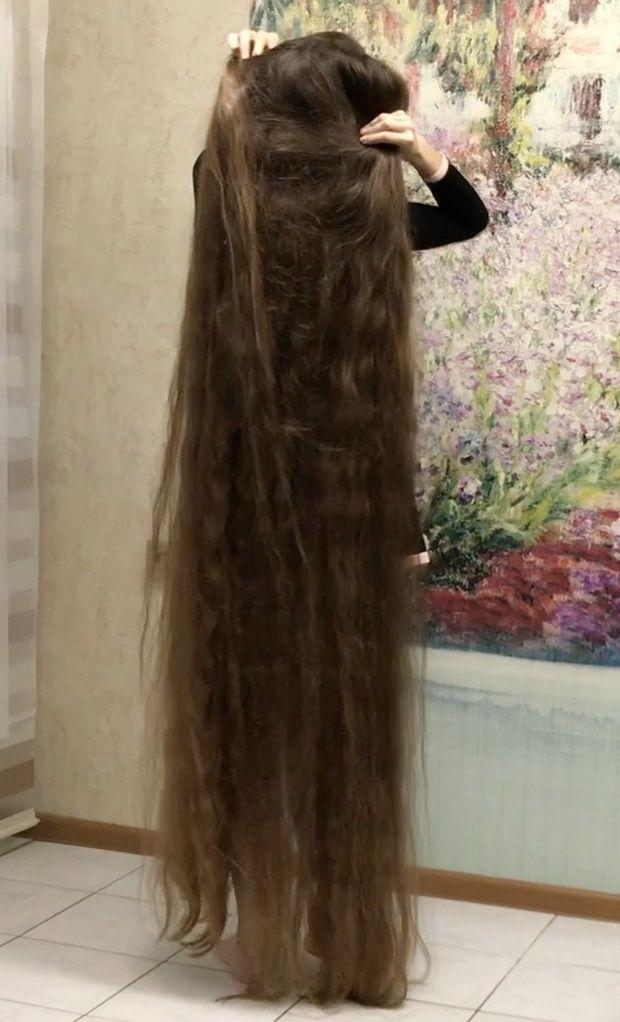 Video Massive Buns And A Beautiful Dress Long Hair Styles Long Hair Girl Beautiful Long Hair