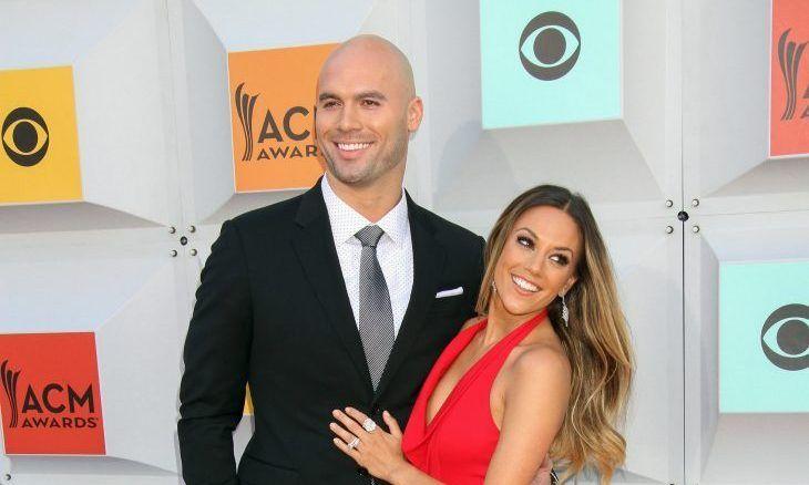 Celebrity Divorce: Jana Kramer & Husband Mike Caussin Separate; He Enters Rehab #janakramer #mikecaussin #celebritydivorce #celebritynews