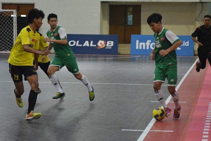 pada pertandingan lanjutan LIMA Futsal Nationals 2017. Di babak penyisihan Pul B pada Kamis (19/10), Uninus berhasil kalahkan Unair dengan skor 2-0.
