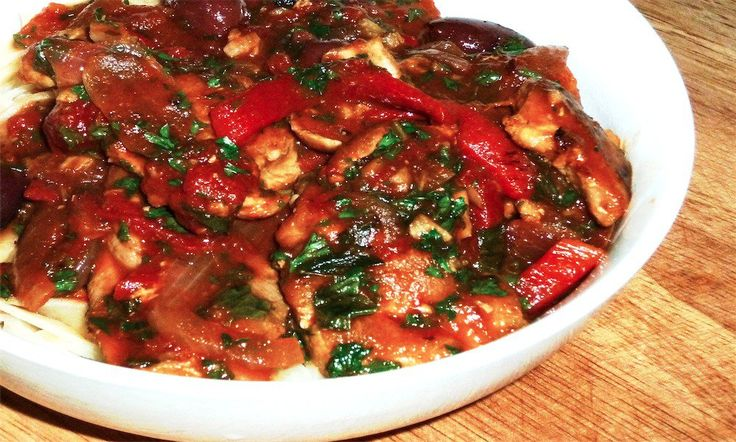 """Sunday Slow Cooker: Chicken Cacciatore"" http://www.slenderkitchen.com/recipe/sunday-slow-cooker-chicken-cacciatore"