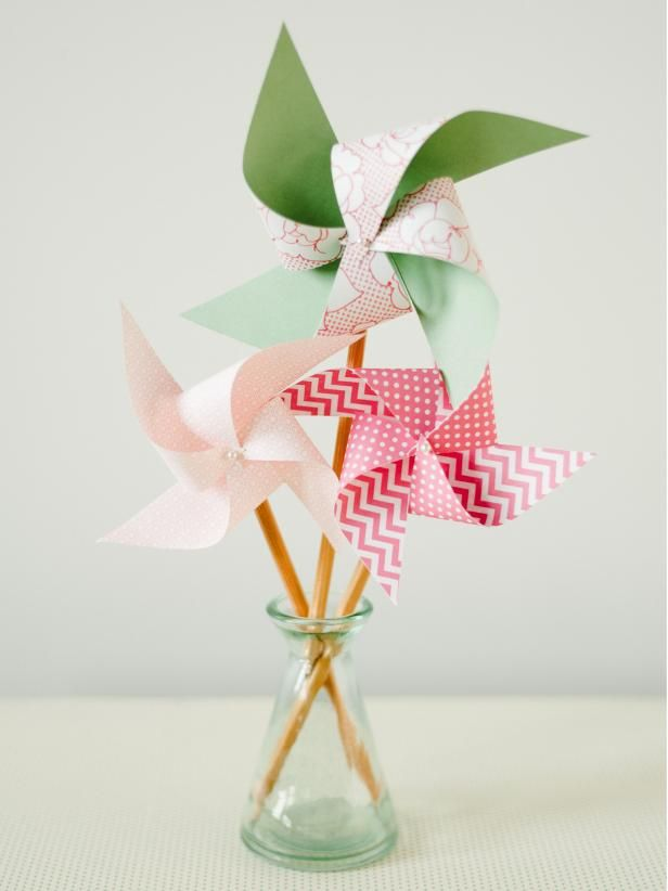 With just a little help from an adult, kids can craft these handmade paper pinwheels to add a splash of colour to playtime. Click on the image to view the step-by-step instructions for turning a pencil into a colourful pinwheel.