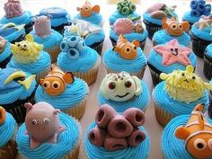 These Finding Nemo cupcakes are TOO cute. #Disney #Cupcakes #FindingNemo