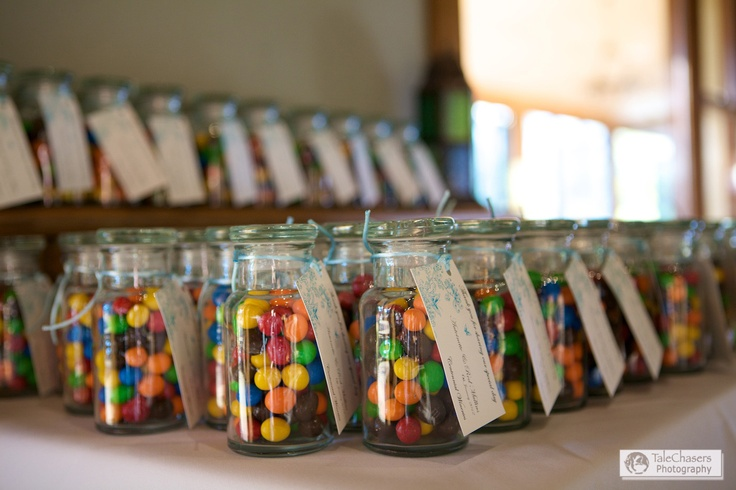 Sweet wedding favours  by TaleChasers Photography