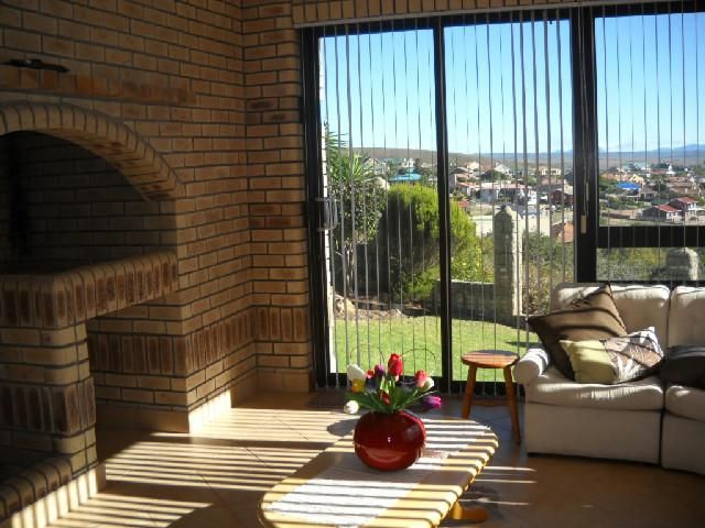 A touch of style. Immaculate and spacious home with magestic views. This home is an entertainers dream. This home has the most beautiful wooden finishes plus sunny braai areas. WEB REF: AMOS-0055 #mosselbay #property