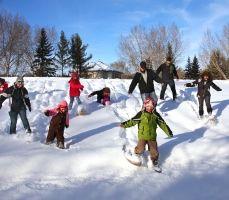 Go snowshoeing this winter! Winter In Edmonton #yegwinter #edmontonwinter #exploreedmonton