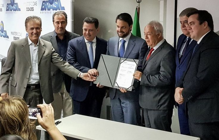Governo do Estado e União assinam contrato de R$ 380 milhões para obras de saneamento em Goiás - AgendaGYN - #Agendagyn, #Cidades, #Goiás, #Notícias - Leia Mais (http://www.agendagyn.com/governo-do-estado-e-uniao-assinam-contrato-de-r-380-milhoes-para-obras-de-saneamento-em-goias/)