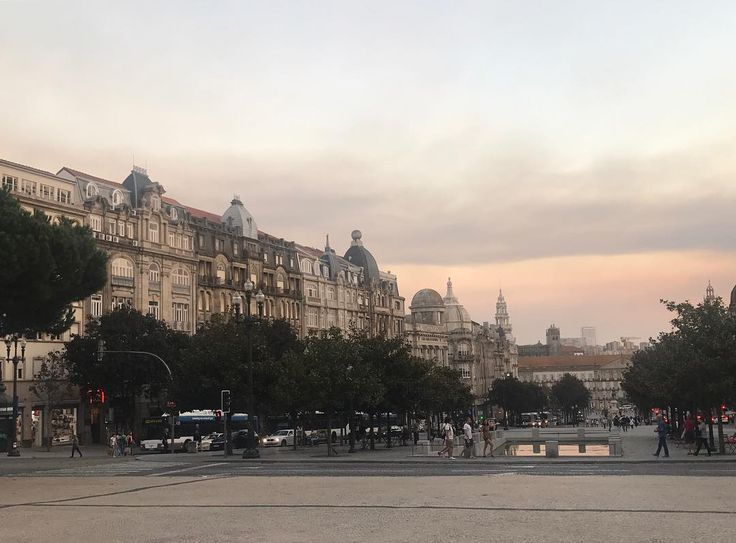 Pretty Porto no filter needed #porto #portugal #skyline #pink #pinkskies #pinksky #instatravels