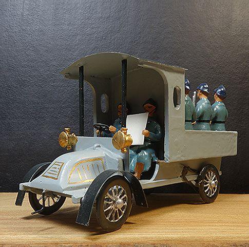 soldats de plomb - les poilus de la guerre -14-18 - infanterie de ligne véhicule transporteur de troupe