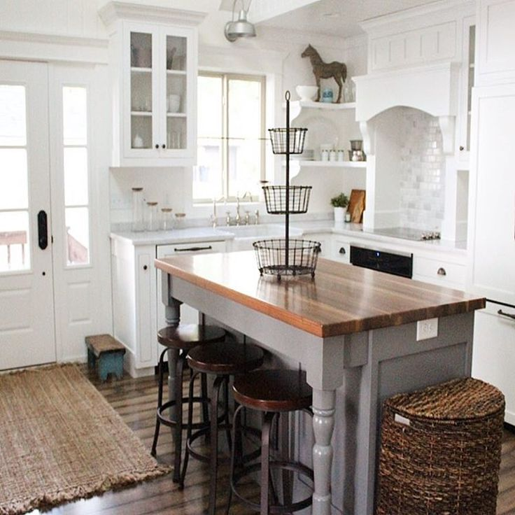 "42 Likes, 7 Comments - Jessica | Interior Stylist (@jstoppard_designs) on Instagram: ""What a darling kitchen!  Have an island that needs an update and some character? Introduce a shade…"""