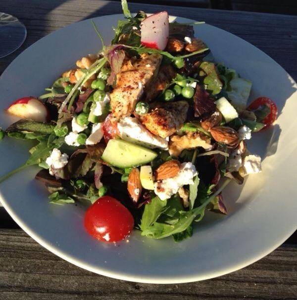 96 beste afbeeldingen over salades op pinterest avocado tonijnsalade salade en waldorfsalade - Versier een entree ...