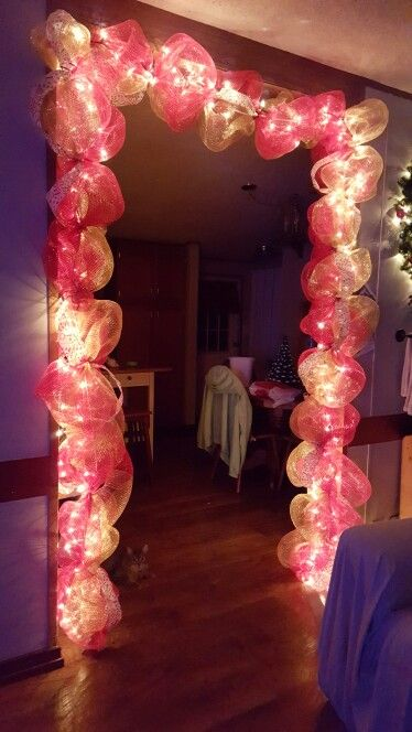 Lighted Deco Mesh Christmas Garland