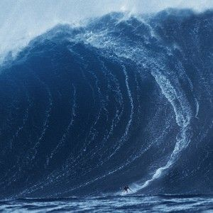 huge wave in Nazare Portugal - AT AT Yahoo! Search Results
