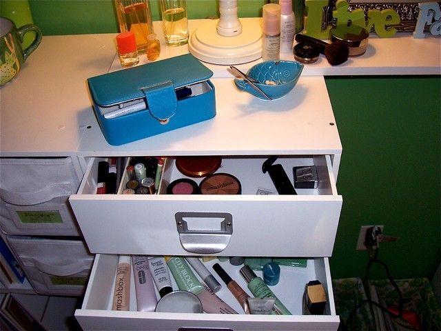 homemade bedroom vanity