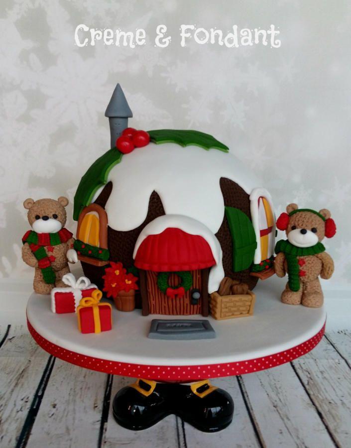 Christmas Pudding Cake by Creme & Fondant