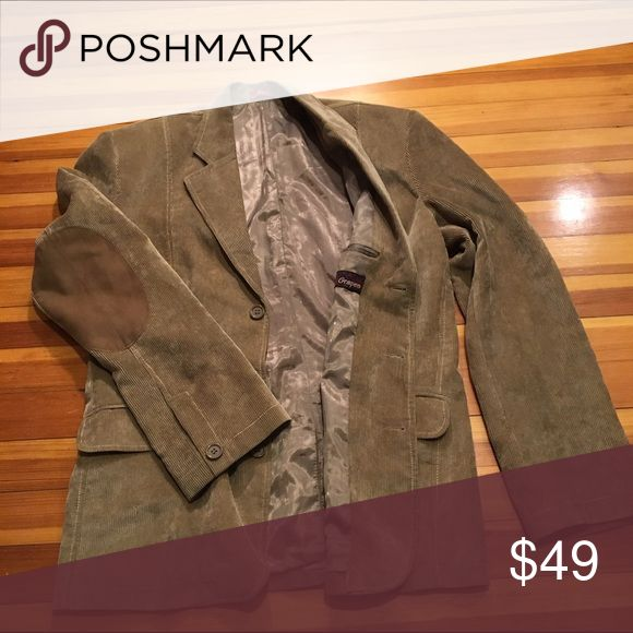 Grapes Corduroy Professor-Style Blazer This Medium Tan and Brown Men's Grapes Corduroy Professor-Style Blazer has padded elbows and is in perfect condition. Jackets & Coats Pea Coats