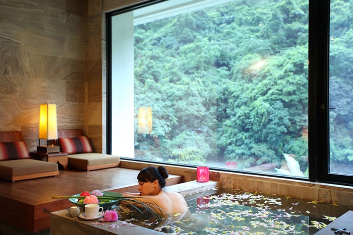 Volando Urai Spring Spa & Resort. Taiwan.  Blend into the surroundings, listen to the sounds of water, let oneself be carried away by the life-enhancing waters of the hot springs: at one hour from Taipei, right in the heart of the mountains, this dream becomes a reality.  #relaischateaux #taiwan #volando