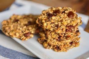 Uma receita super simples de 2 ingredientes. O cookie de banana e aveia é uma ótima opção para o café da manhã, sobremesa ou lanche da tarde.