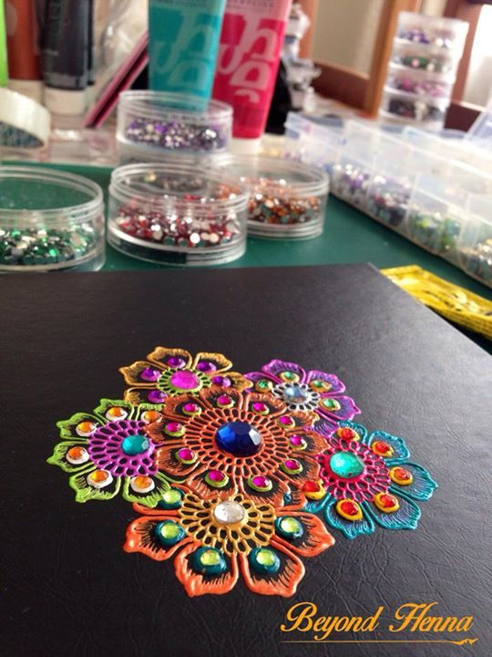 Sabah Ismail's gorgeous work in Pebeo Studio Acrylics (high viscosity paint)