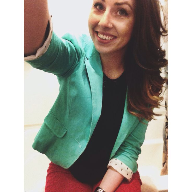 Mix colors it's fun!!!! #blazer #fashion #colors
