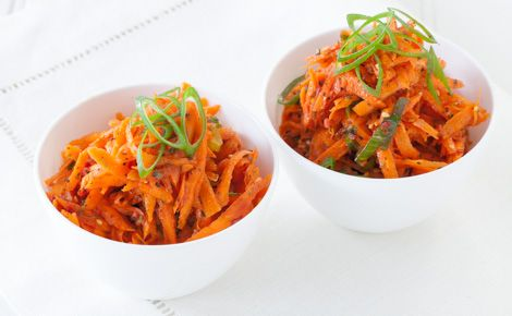 Moroccan Grated Carrot Salad (110 calories/serving)