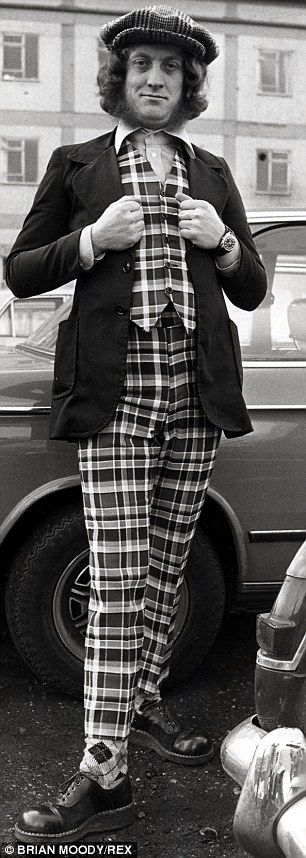 Mr Nice Guy: Slade's Noddy Holder in 1973, dressed in a striking suit - 1973